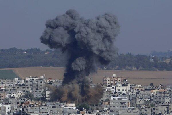 Útok na mesto Gaza v palestínskom pásme Gazy.
