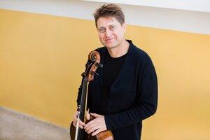 Violončelista Jozef Lupták pripravuje festival Konvergencie.
