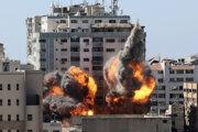 Raketový útok na výškovú budovu v Gaze, v ktorej malo svoje kancelárie viacero zahraničných médií.