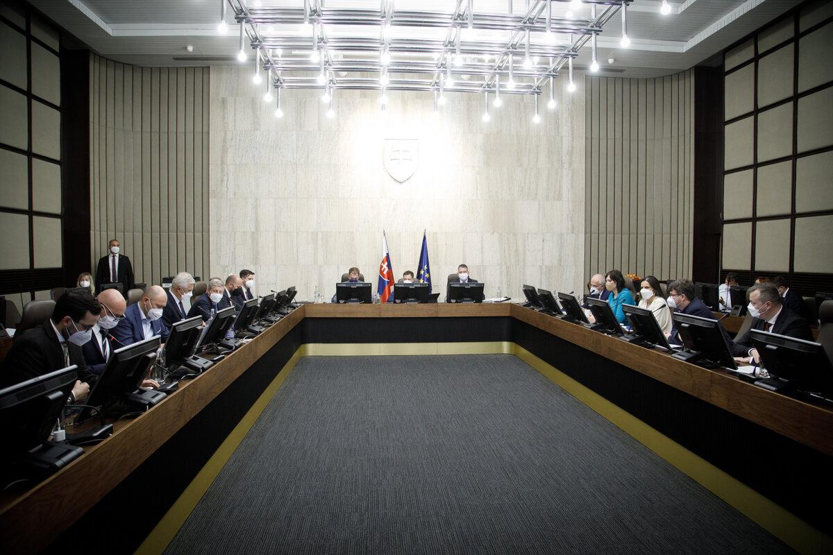 Vláda schválila transformáciu Slovenskej akadémie vied - SME