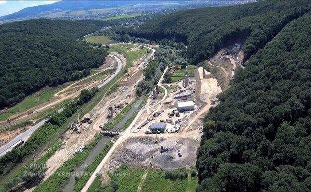 Výstavba severného obchvatu Prešova pred približne rokom.