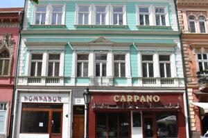 Od roku 1890 budova niekoľkokrát zmenila majiteľa, no kaviareň a reštaurácia sa v rôznych podobách zachovali.