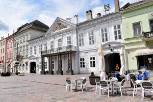 Ústavný súd Slovenskej republiky tu sídlil od roku 1992 do roku 2007.
