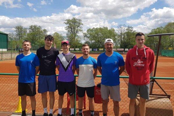 Muži Lieskovského tenisového klubu.