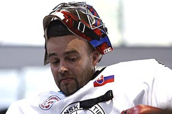 Na snímke Stano Petrík, manažér a brankár Nitrianskych Rytierov.