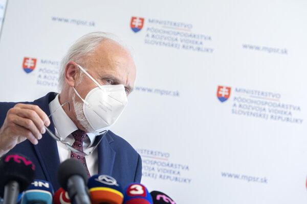 Ján Mičovský.