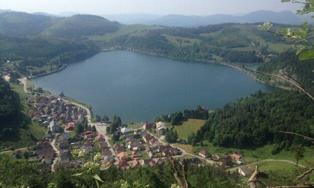 V úvode turistickej sezóny sa musia Dedinky spoľahnúť na prírodu a vodnú nádrž.