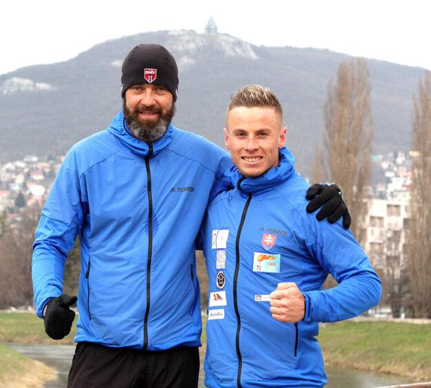 Michal Morvay (vpravo) s trénerom Matejom Spišiakom.