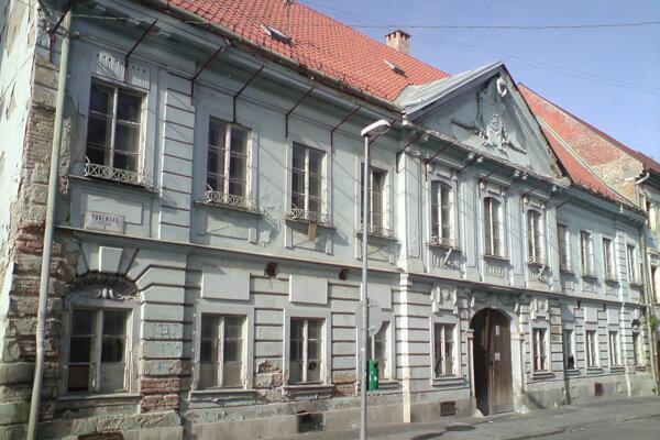 Habermayerov palác posledné desaťročia chátra.