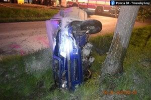 Mladík po nehode skončil v nemocnici.