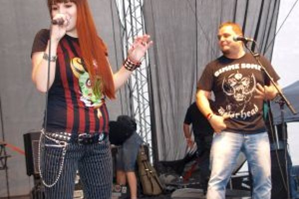 S Barborou - speváčkou Borry - si svoj hit v upravenej verzii zaspieval aj sám Kuly.