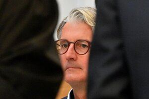 Rupert Stadler, bývalý riaditeľ automobilky Audi, na snímke z 30. septembra 2020 zo súdu v Mníchove.