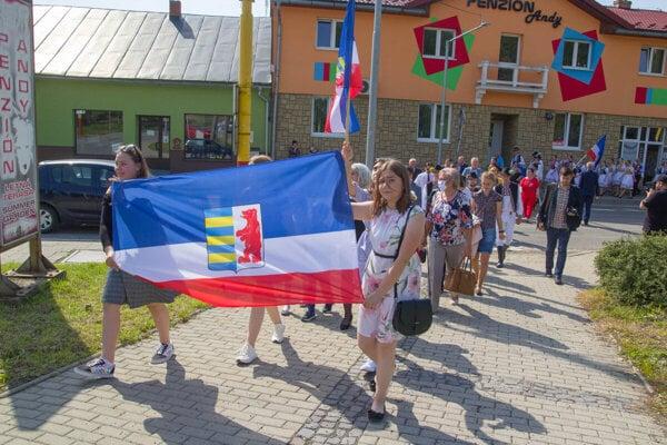 Súčasťou osláv je každý rok sprievod mestom.