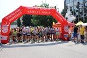 Záhorácky maratón a polmaratón prilákal množstvo bežcov
