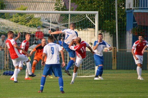 Zo zápasu Kolárovo - Štúrovo 0:3