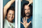 Keanu Reeves a Alex Winter vo filme Bill & Ted Face the Music.