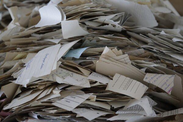 Útržky z dokumentov v Spolkovom úrade pre dokumenty Stasi.