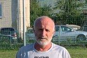 Dušan Gulán starší v drese Novej Lhoty.