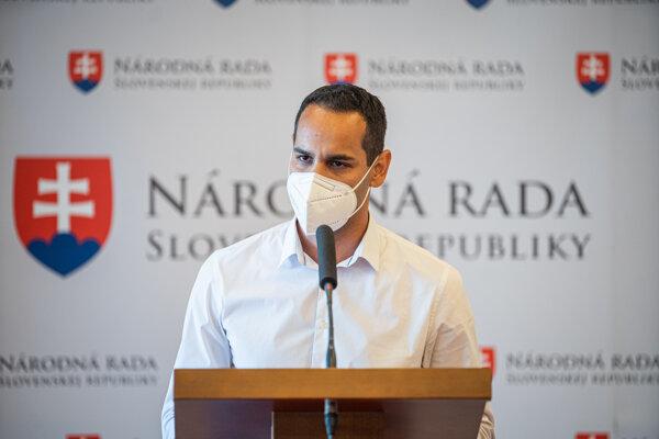 Ján Herák oznámil vzdanie sa mandátu 9. júna 2021.