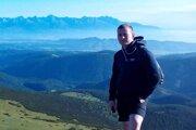 Maroš si rád oddýchne na svojom obľúbenom kopci nad Belou.