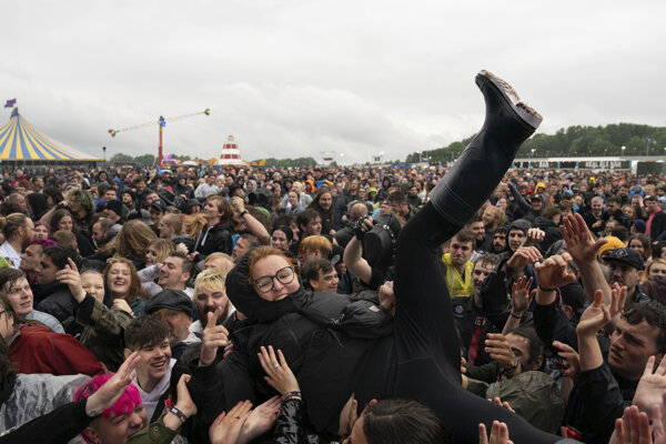 Ľudia počas festivalu v britskom Donington Parku.
