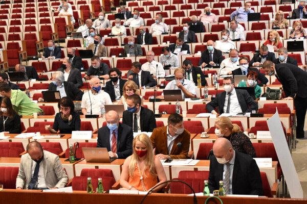 Košických župných poslancov čaká posledné rokovanie pred prázdninami.
