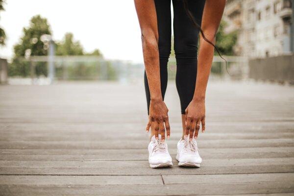 Vedci vysvetlili, prečo zvykneme pri zmenách pohybu stonať a vzdychať.