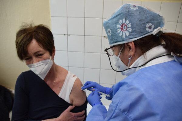 V Kysuckej nemocnici vás bez registrácie nezaočkujú.