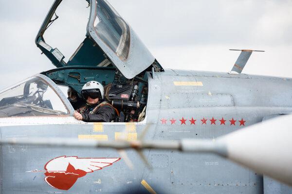 Pilot ruského stíhacieho bombardéra Su-24.