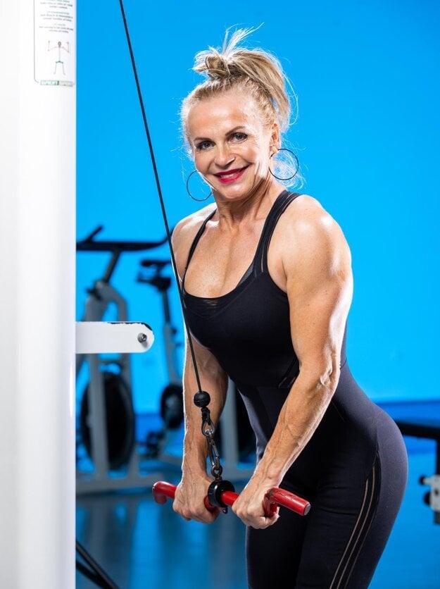 Fitness trénerka Oľga Bazelidesová