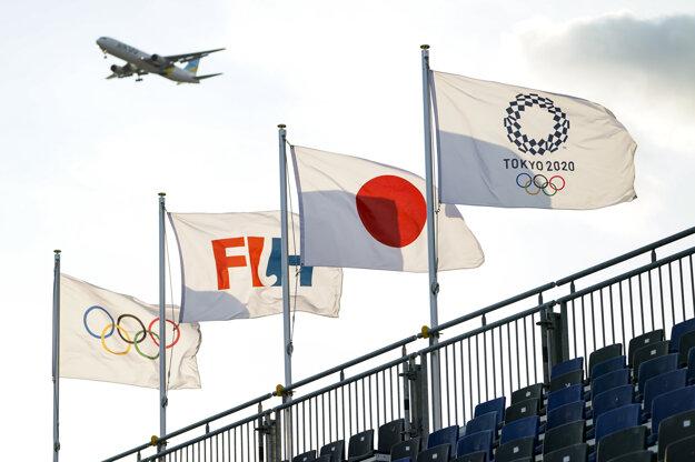 Vlajky v dejisku Olympijských hier.