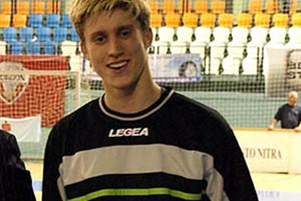 Jedným z hráčov, ktorí zmenili dres, je brankár Maroš Ligač. Z Chrenovej odišiel na hosťovanie do Žirian.