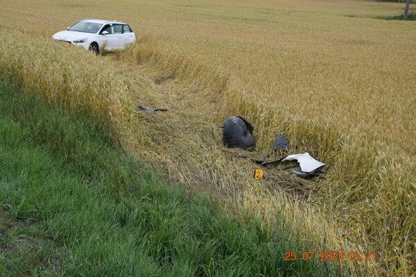 Po vyčerpávajúcej jazde si vodič musel pospať.