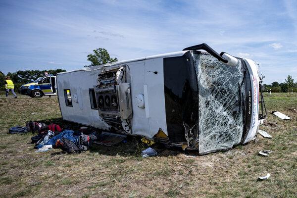 V autobuse bolo 17 cestujúcich a dvaja vodiči.
