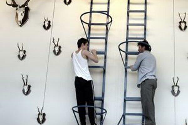 Národné divadlo z Budapešti sa na DN predstaví Poľovníckymi scénami z Dolného Bavorska z režiséra Róberta Alföldiho.