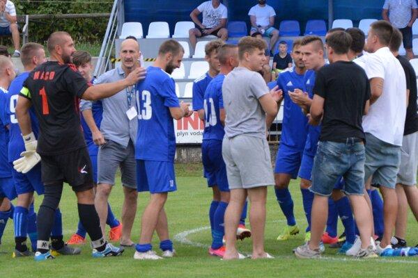 Pred rokom sa v Solčanoch tešili z postupu do ďalšieho kola v pohári futbalisti z Tovarník.