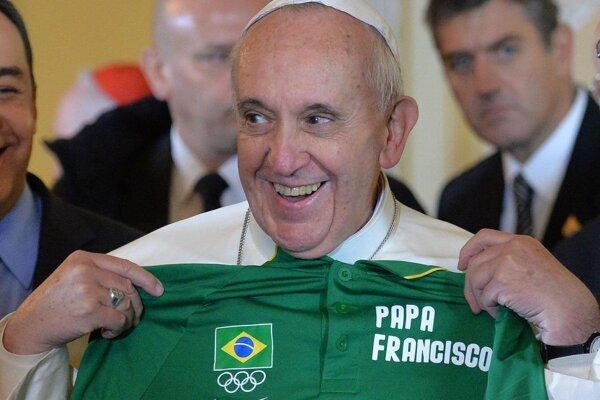 Ako správny Argentínčan miluje futbal.