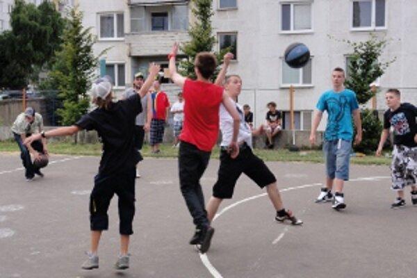 Klokočinské deti. Zúčastnili sa streetballového turnaja.