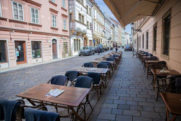 Reštaurácia v centre Bratislavy.