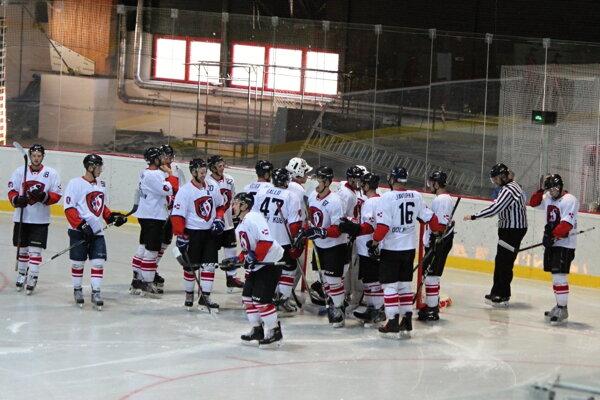 Dolnokubínski hokejisti našli azyl v Ružomberku.