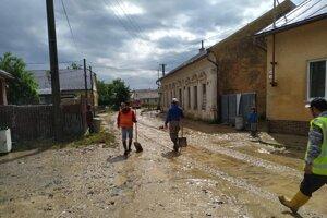 Takto to vyzeralo v Zborove po jednej z júlových povodní.