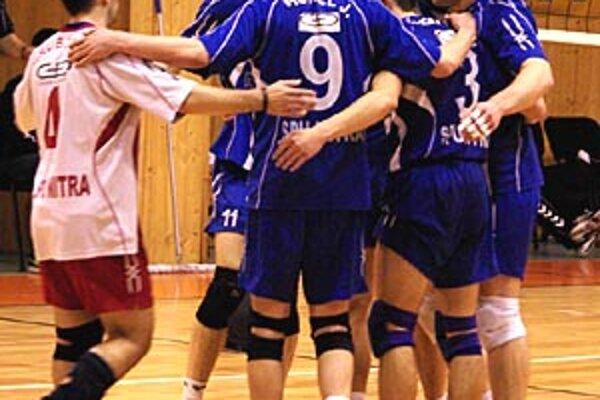 Prvý zápas úvodnej série o 5.-8. miesto rozhodli pre seba Nitrania.