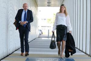 Sabine ten Dousschateová a Boudewijn van Eijck, advokáti pozostalých obetí letu MH17.