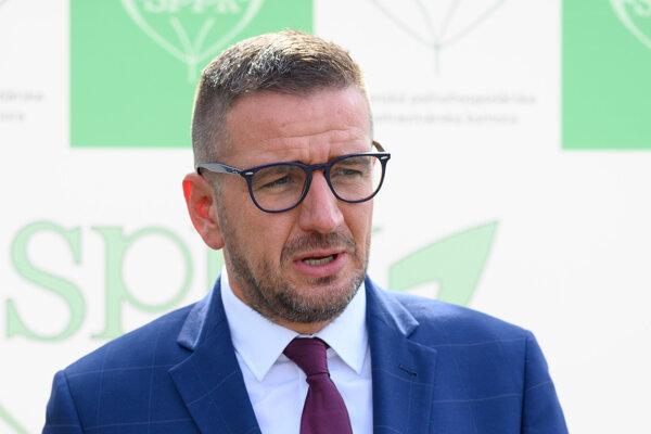 Predseda Slovenskej poľnohospodárskej a potravinárskej komory Emil Macho.