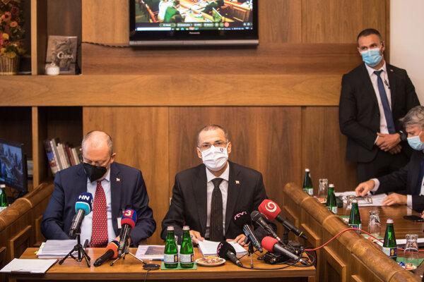 Generálny prokurátor Maroš Žilinka na výbore.