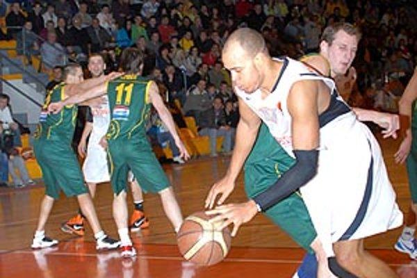 Basketbalisti Nitry hrajú najvyššiu súťaž od roku 2002. Dvakrát získali slovenský titul.