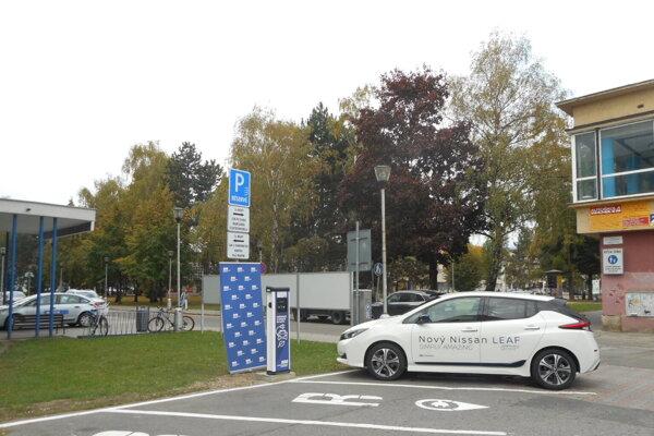Spoločnosť TURIEC, a. s., sa dôrazne ohradzuje voči informáciám, ktoré sa objavujú na sociálnych sieťach ohľadom spáchania akéhokoľvek trestného činu v súvislosti s realizáciou parkovacej politiky v meste Martin.