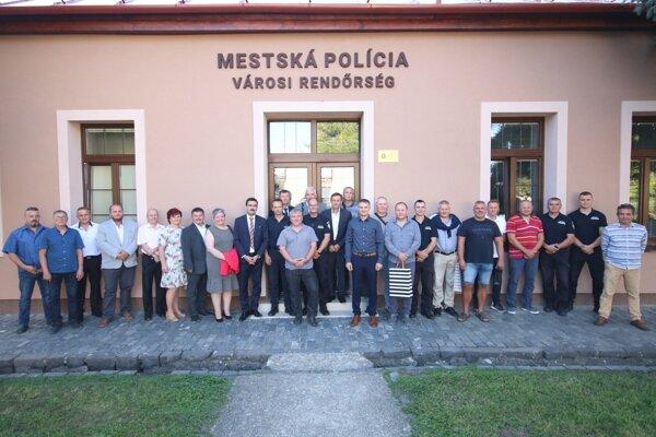 Mestská polícia vo Fiľakove oslavuje významné výročie.