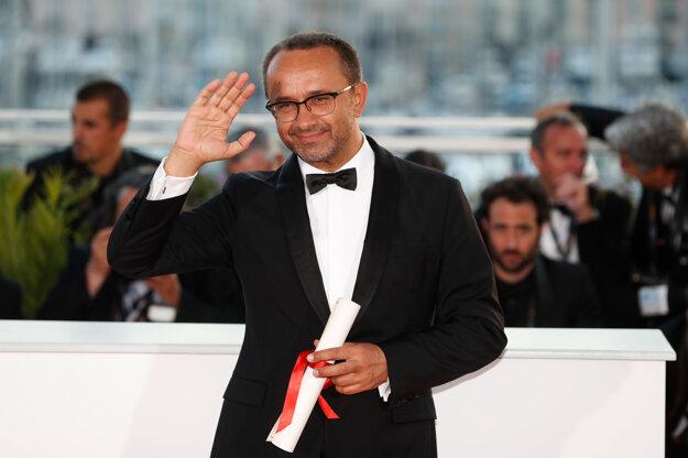Ruský režisér Andrej Zvjagincev bol opakovane nominovaný na Oscara za filmy Nemilovaní a Leviatan, je držiteľom Zlatého glóbusu za rok 2014, na filmovom festivale v Cannes získal cenu za najlepší scenár a jeho filmy uspeli aj v Benátkach a na ďalších filmových festivaloch.
