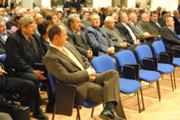 Minister Simon medzi bývalými kolegami.